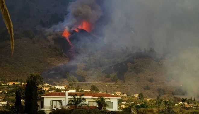 Ισπανία: Τουλάχιστον 17 εκατ. κυβικά μέτρα λάβας από την έκρηξη του ηφαιστείου