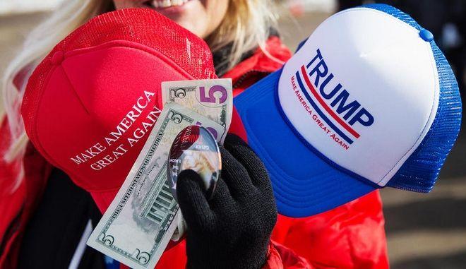 Τα καπέλα του Τραμπ είναι εισαγόμενα από Κίνα, Βιετνάμ και Μπανγκλαντές
