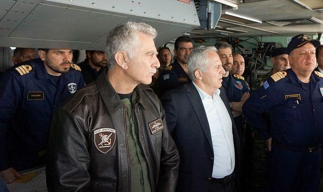 Ο Υπουργός Εθνικής Άμυνας Ευάγγελος Αποστολάκης, τη Δευτέρα 18 Μαρτίου 2019, παρακολούθησε από τη Φρεγάτα ΨΑΡΑ, δραστηριότητες επιχειρησιακής εκπαίδευσης του Πολεμικού Ναυτικού, στην ευρύτερη περιοχή Σαρωνικού κόλπου. Τον Υπουργό Εθνικής Άμυνας συνόδευσαν ο Αρχηγός ΓΕΕΘΑ, Πτέραρχος Χρήστος Χριστοδούλου και ο Αρχηγός ΓΕΝ, Αντιναύαρχος Νικόλαος Τσούνης ΠΝ.