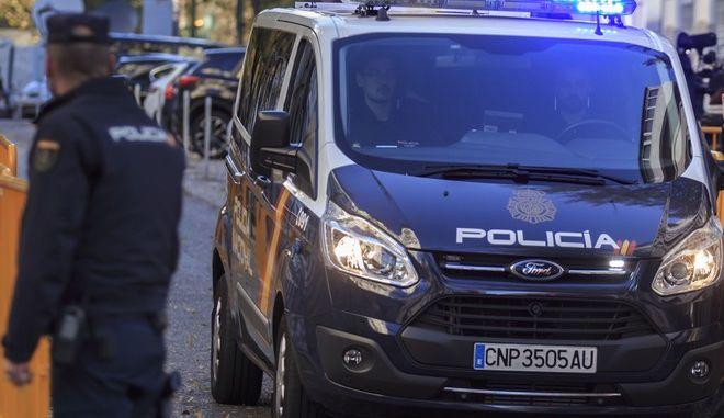 Βαν της ισπανικής αστυνομίας στη Μαδρίτη