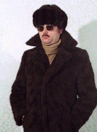 Και όμως έτσι ντύνονταν οι κατάσκοποι της Στάζι