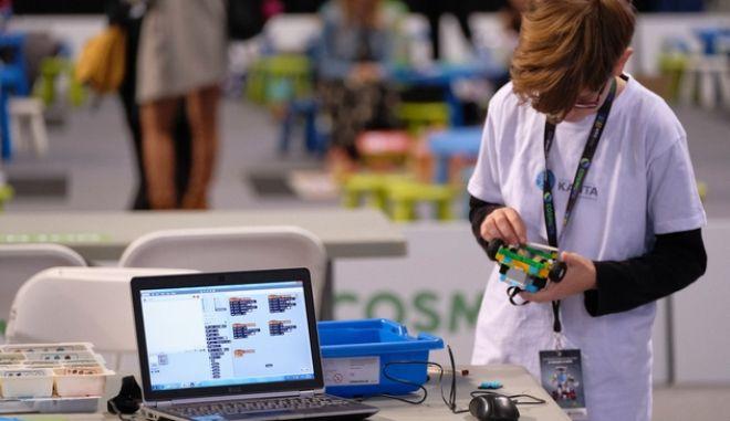Πανελλήνιος Διαγωνισμός Εκπαιδευτικής Ρομποτικής: Η εκπαιδευτική ρομποτική κερδίζει συνεχώς έδαφος με ολοένα και περισσότερες συμμετοχές