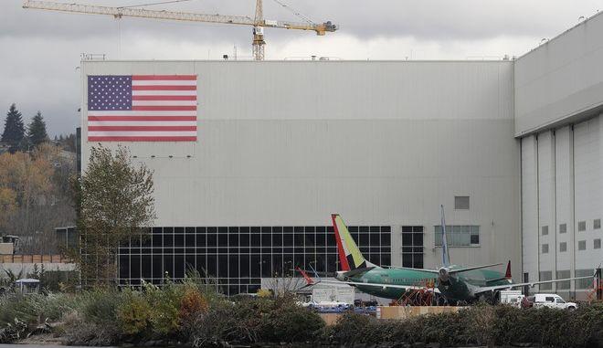 Boeing 737-MAX 8 έξω από τις εγκαταστάσεις της εταιρίας στην Ουάσινγκτον