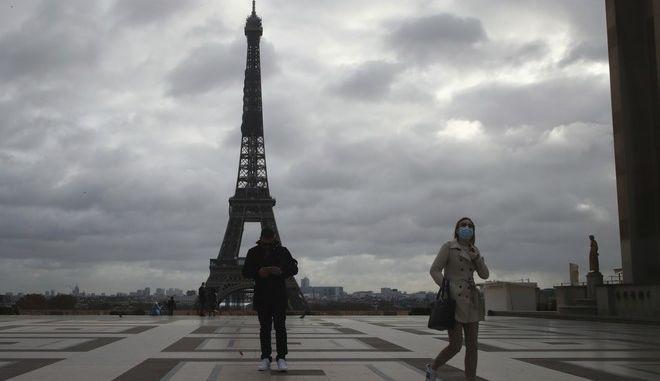 Εικόνα από το Παρίσι σε καιρό lockdown