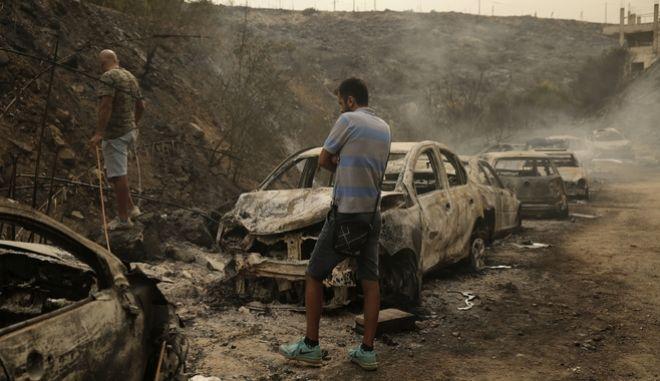 Μεγάλες καταστροφές προκάλεσαν οι φωτιές.