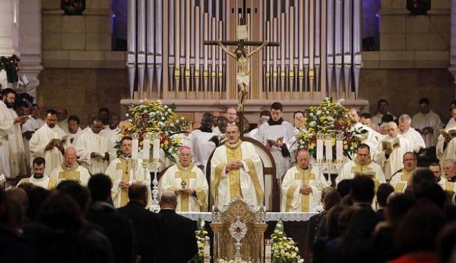 """Πάπας Φραγκίσκος: """"Καμία δικαιολογία δεν υπάρχει για τις κακοποιήσεις και τα οικονομικά σκάνδαλα εκκλησίας"""""""