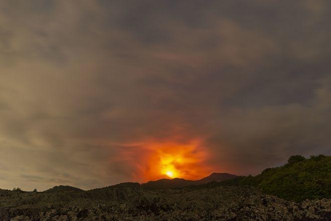 Μέχρι στιγμής δεν έχουν εκκενωθεί σπίτια στην πλαγιά του ηφαιστείου