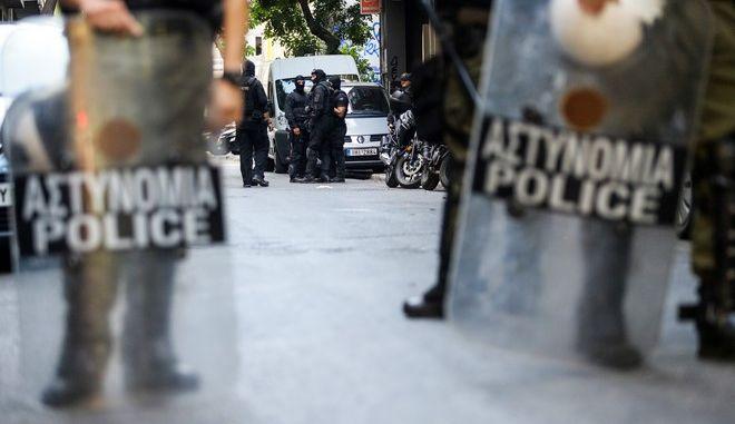 Επιχείρηση της Ελληνικής Αστυνoμίας στα Εξάρχεια