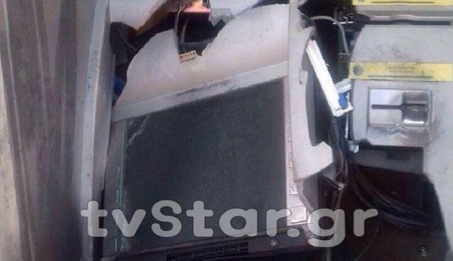 Φθιώτιδα: Ανατίναξαν ATM και έκλεψαν 14.000 ευρώ