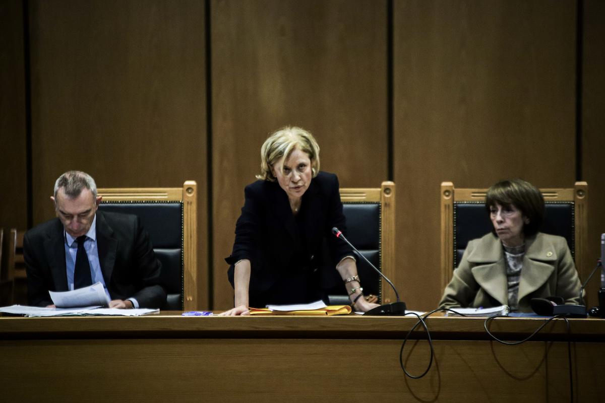 Η εισαγγελέας Εφετών Αδαμαντία Οικονόμου εισηγείται την απαλλαγή των περισσοτέρων κατηγορουμένων στη δίκη της Χρυσής Αυγής.