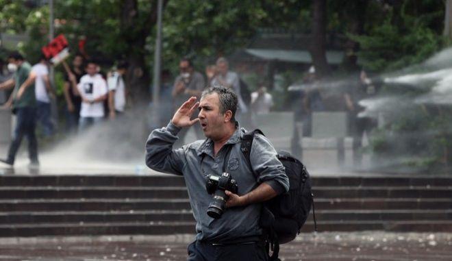 Τουρκία: Διεθνείς επικρίσεις για την τροποποίηση της νομοθεσίας στα ΜΜΕ