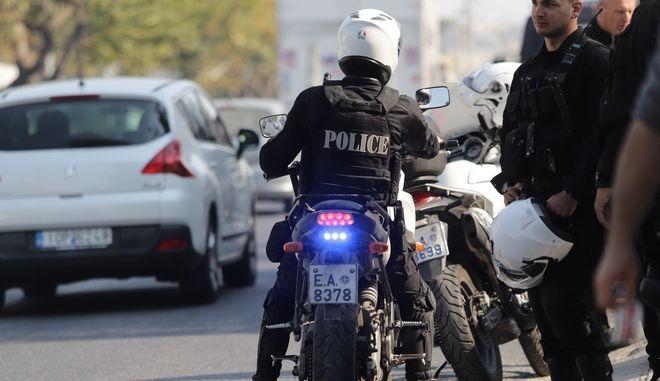 Αστυνομικός σε μοτοσικλέτα