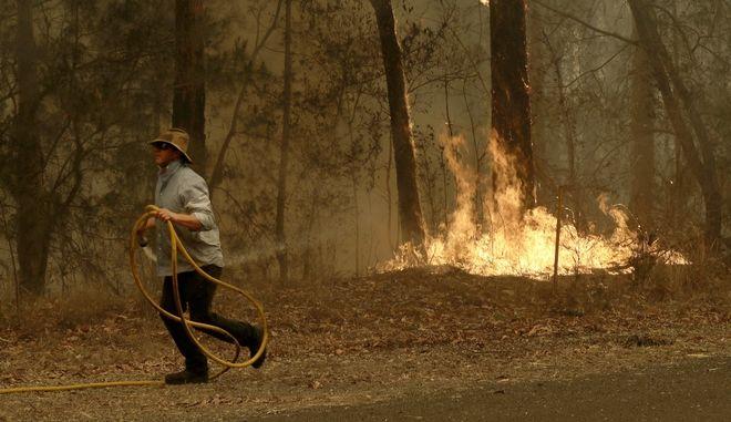 Μαίνονται οι φωτιές στην Αυστραλία.