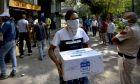 Ουρές σε κάβες στο Νέο Δελχί