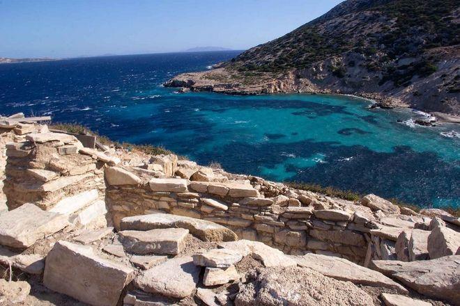 Αρχιτεκτονικά κατάλοιπα της πρωτοκυκλαδικής περιόδου (3.200-2.000 π.Χ.) στη νησίδα Δασκαλιό