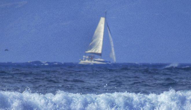 Ιστιοφόρο σκάφος ανοικτά του Αλμυρού στην Κέρκυρα (φωτό αρχείου)
