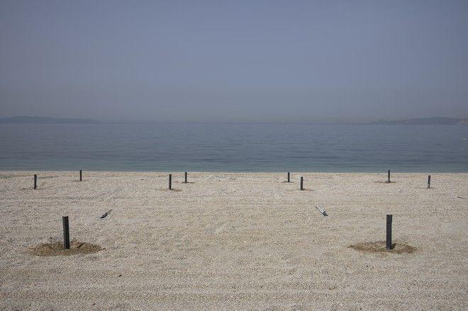 Μπήκαμε σε οργανωμένη παραλία - Τι θα δουν οι λουόμενοι το Σάββατο