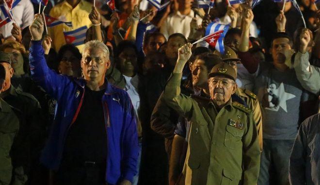Ο Ραούλ Κάστρο με τον Μιγκέλ Ντίαζ-Κανέλ