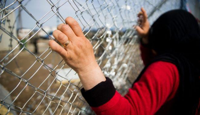 Η αλβανική αστυνομία συνέλαβε Σύρους και τους γύρισε στην Ελλάδα