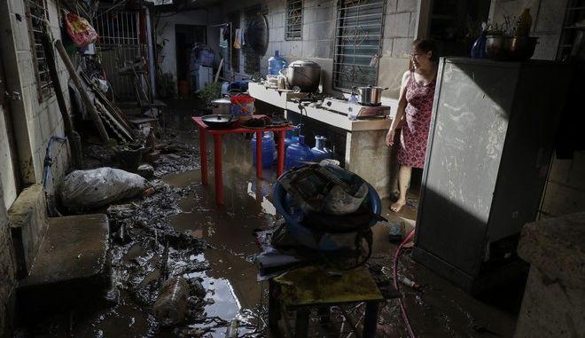 Πέρασμα του τυφώνα Γκόνι από τις Φιλιππίνες