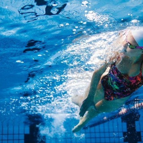 """Φοιτητές επινόησαν """"σόναρ"""" για κολυμβητές με προβλήματα όρασης"""