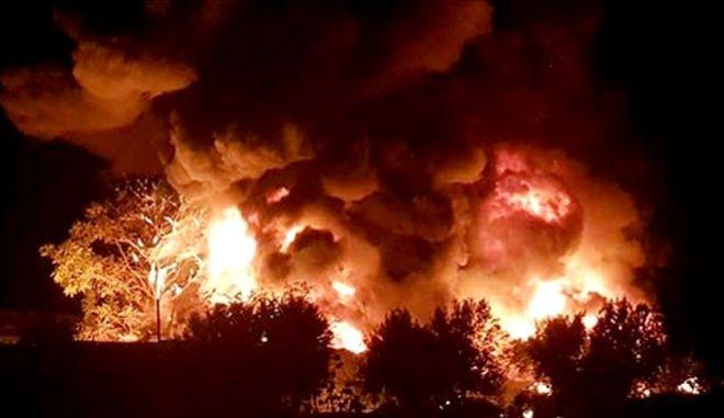 Φωτιά σε εργοστάσιο ανακύκλωσης στις Αχαρνές