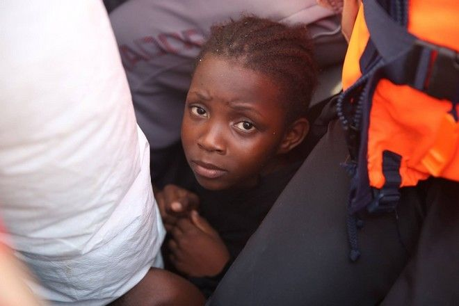 An 8 years old girl from Nigeria was terrified when MSF find her boat.