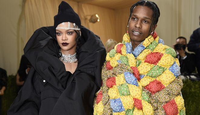 Η Rihanna και ο ASAP Rocky, στο Met Gala 2021.