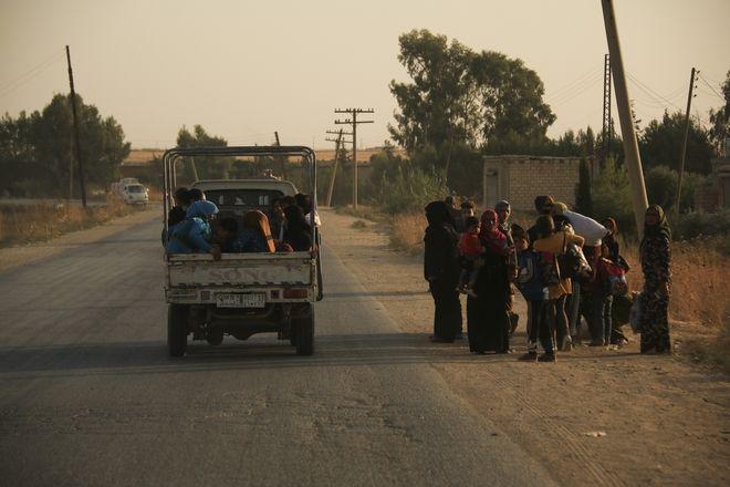 Συρία Οι Κούρδοι παύουν τις μάχες με το ISIS - Εγκαταλείπουν χιλιάδες άμαχοι