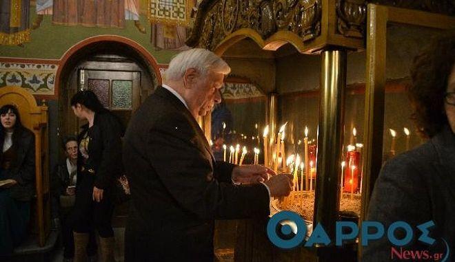 Στον ιερό ναό της Υπαπαντής στην Καλαμάτα παρακολούθησε τον επιτάφιο ο πρόεδρος της Δημοκρατίας Προκόπης Παυλόπουλος