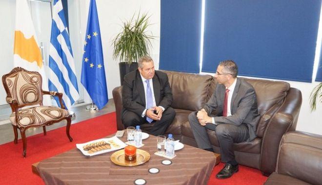 Συνάντηση του ΥΕΘΑ Πάνου Καμμένου με τον Υπουργό Άμυνας της Κυπριακής Δημοκρατίας Σάββα Αγγελίδη στη Λάρνακα. (EUROKINISSI/ΥΕΘΑ)