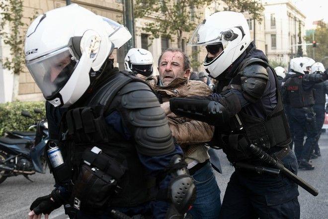 Επεισόδια μεταξύ των μελών του ΠΑΜΕ και της αστυνομίας