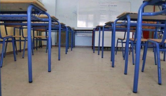 1ο ΕΠΑΛ Περάματος: Άλλο ένα σχολείο που πέφτουν σοβάδες από το ταβάνι
