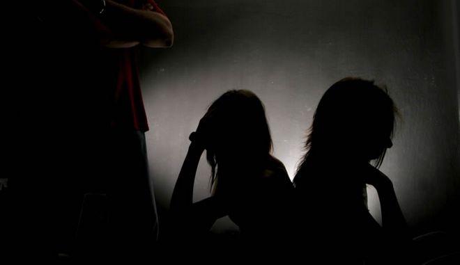 Με AIDS μολύνθηκαν 2 παιδιά, θύματα σεξουαλικής εκμετάλλευσης