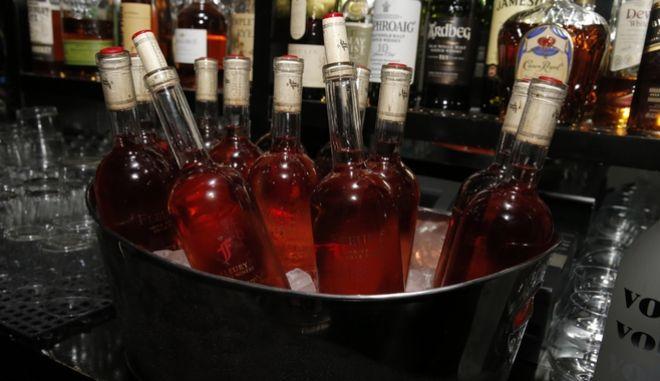 Πανευρωπαϊκή Έρευνα για το αλκοόλ: Tα 'τσούζει' ένας στους πέντε Έλληνες
