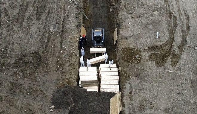 Ομαδικοί τάφοι στο Hart Island στις ΗΠΑ