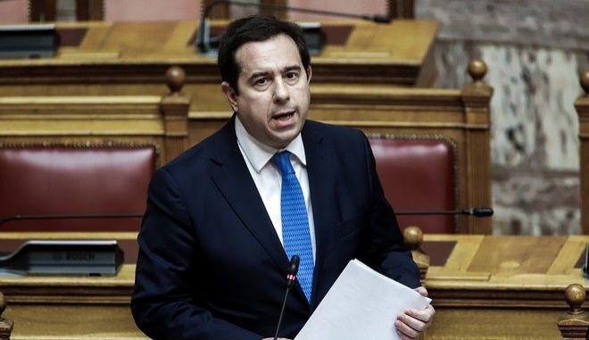 Ο Νότης Μηταράκης στη Βουλή