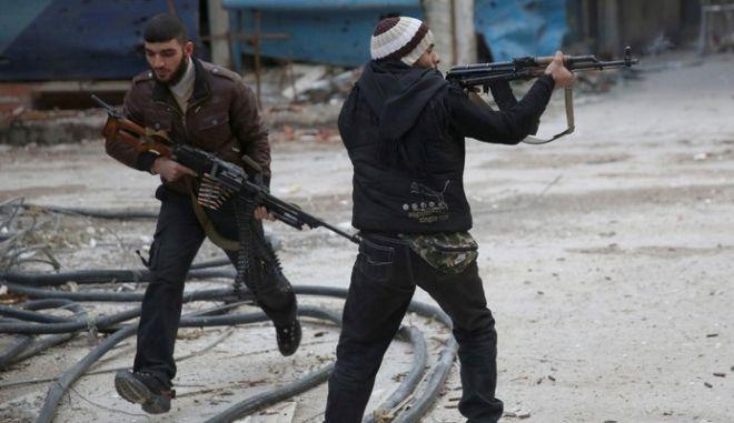 Γεγονός η στρατολόγηση Ευρωπαίων από εξτρεμιστικές οργανώσεις στη Συρία