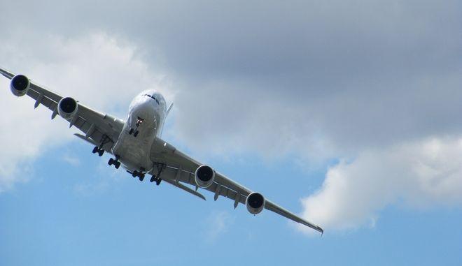 Αεροπλάνο Airbus εν πτήσει