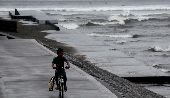 Εικόνα από το πέρασμα τυφώνα από την Ιαπωνία - Φωτό αρχείου