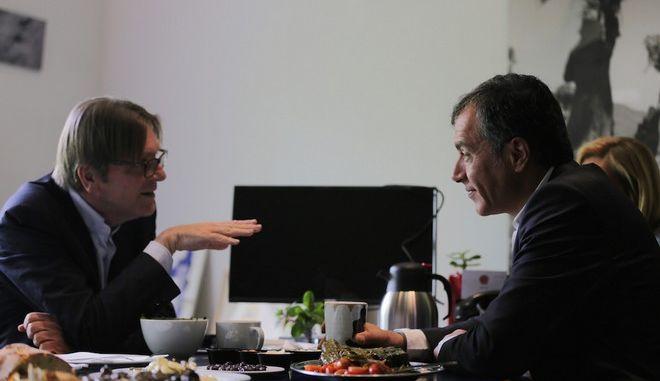 Φέρχοφστατ : Ακόμη περιμένουμε ένα σοβαρό πακέτο μεταρρυθμίσεων