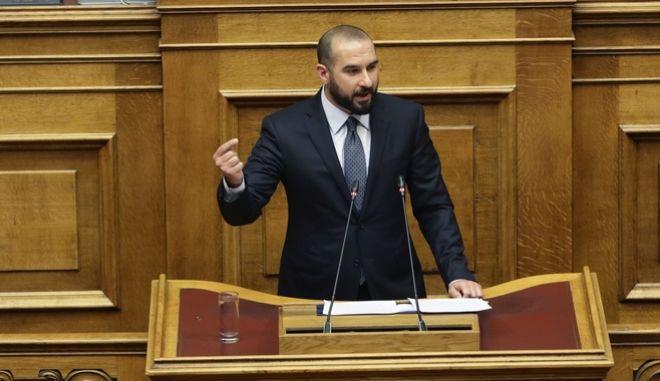 Ο Δημήτρης Τζανακόπουλος κατά την τρίτη ημέρα της συζήτησης στην Ολομέλεια της Βουλής της πρότασης μομφής που κατέθεσε η ΝΔ εναντίον της κυβέρνησης