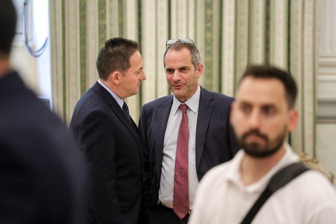 Ο κατά πάσα πιθανότητα νέος κυβερνητικός εκπρόσωπος κ.Πέτσας με τον Κωνσταντίνο Ζούλα