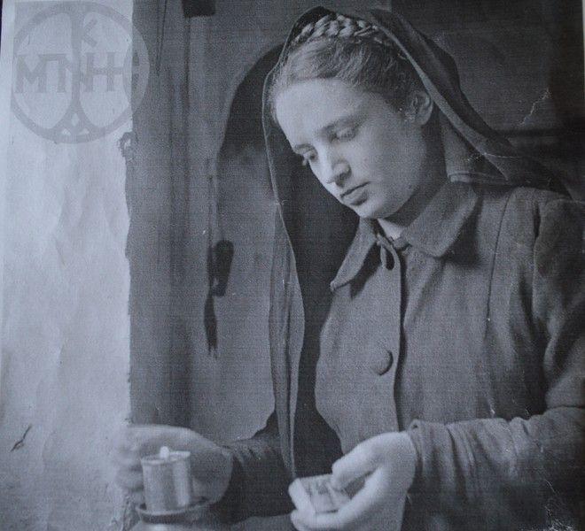 Η Ελένη Σφουντούρη σε ηλικία 12 ετών