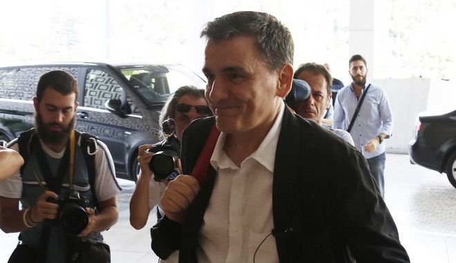 ΑΘΗΝΑ-Συνάντηση της Τρόικας με τους υπουργούς Ευκλείδη Τσακαλώτο (φωτο) και Γιώργο Σταθάκη  στο ξενοδοχείο Χίλτον.(Eurokinissi-ΣΤΕΛΙΟΣ ΜΙΣΙΝΑΣ)