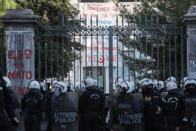 Μεγάλες δυνάμεις της αστυνομίας στο Πολυτεχνείο