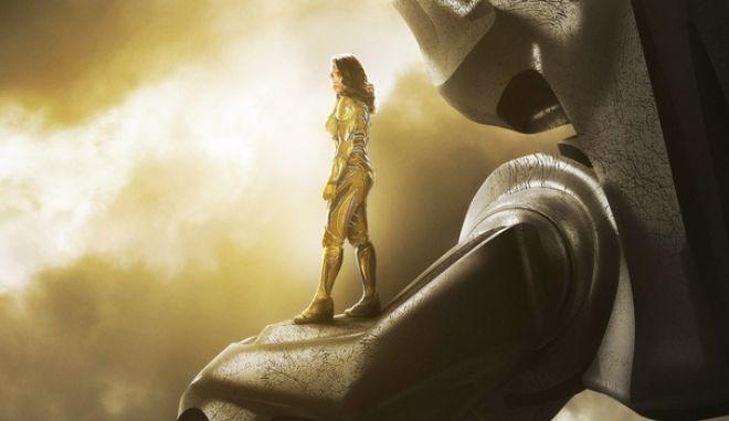 Καμία Marvel, καμία Disney! H πρώτη λεσβία υπερηρωίδα βρίσκεται περήφανα στο 'Power Rangers'