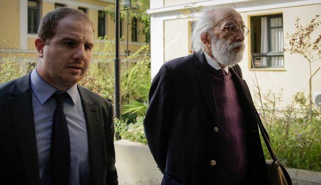 Ξεκίνησαν οι κλήσεις του Εισαγγελέα για ανομωτι εξηγήσεις και καταθέσεις ,των εμπλεκόμενων για την μεγάλη πυρκαγια στο Μάτι.Στην φωτογραφία ο δικηγόρος Αλέξανδρος Λυκουρέζος