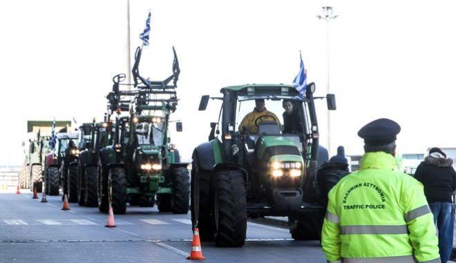 Τρεις 'δακτύλιοι' ασφαλείας της ΕΛ.ΑΣ. για την άφιξη των αγροτών