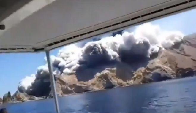Έκρηξη ηφαιστείου στη Νέα Ζηλανδία: Λιγοστεύουν οι ελπίδες για επιζώντες